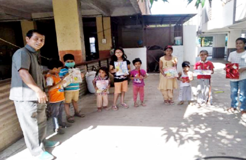 Education kits were provided to school children in Pune.
